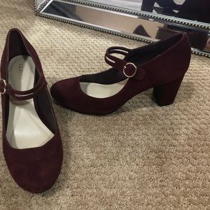 Adorable red velvet pumps